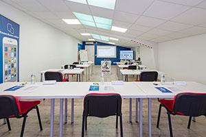 Sala de formación de personal de taller en Algete