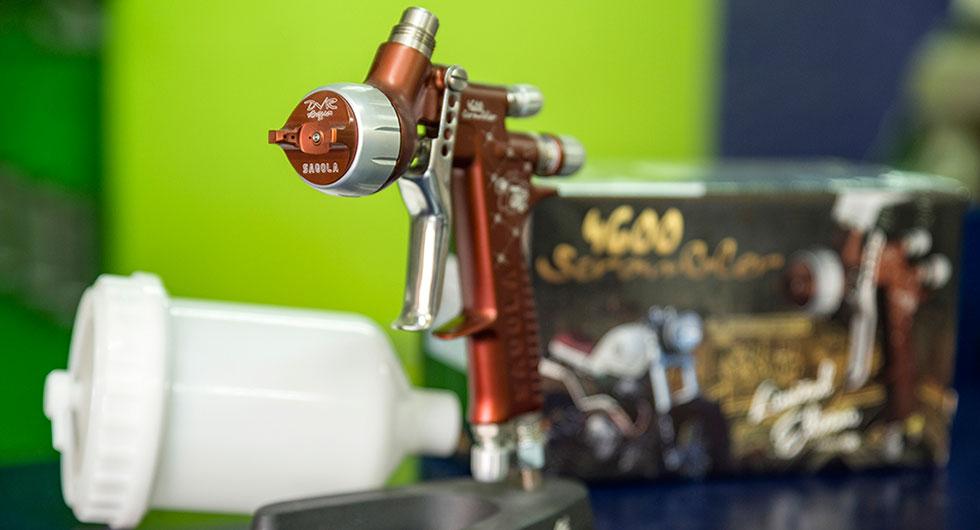 Una pistola aerografica de pintura de la marca Sagola