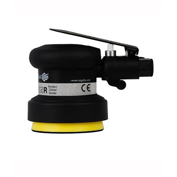 una lijadora neumática sagola L252R rotorbital ergonómica y ligera con bajas vibraciones para los pequeños retoques del lijado